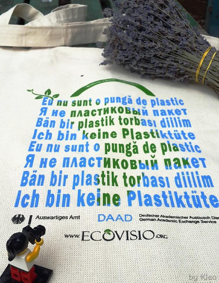 I am not a plastic bag!